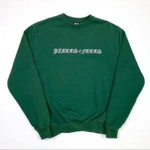 Places + Faces Crewneck M Medium Old English